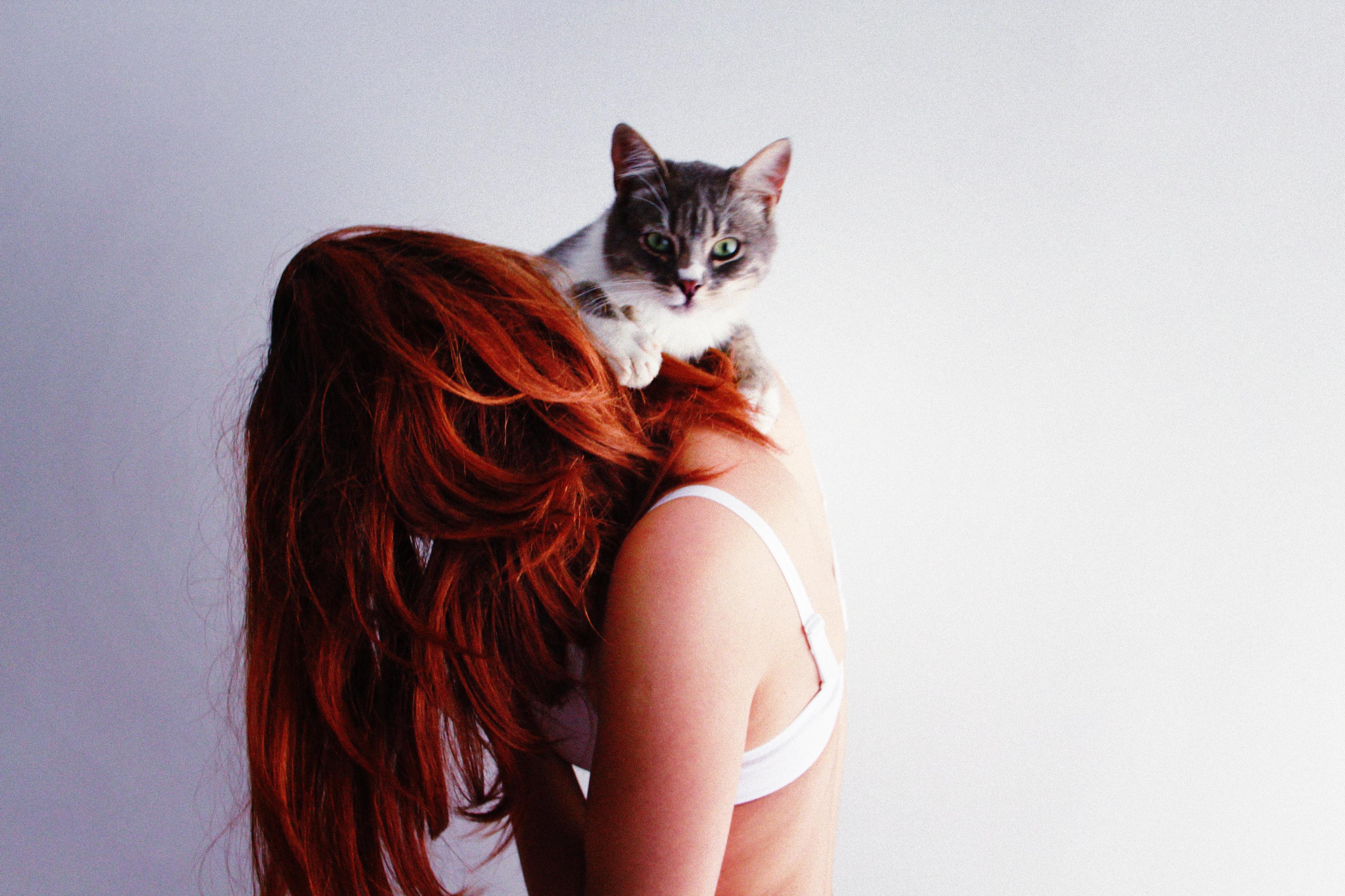 Фотографии девушек с рыжими волосами со спины, Рыжие девушки со спины (36 фото) 18 фотография