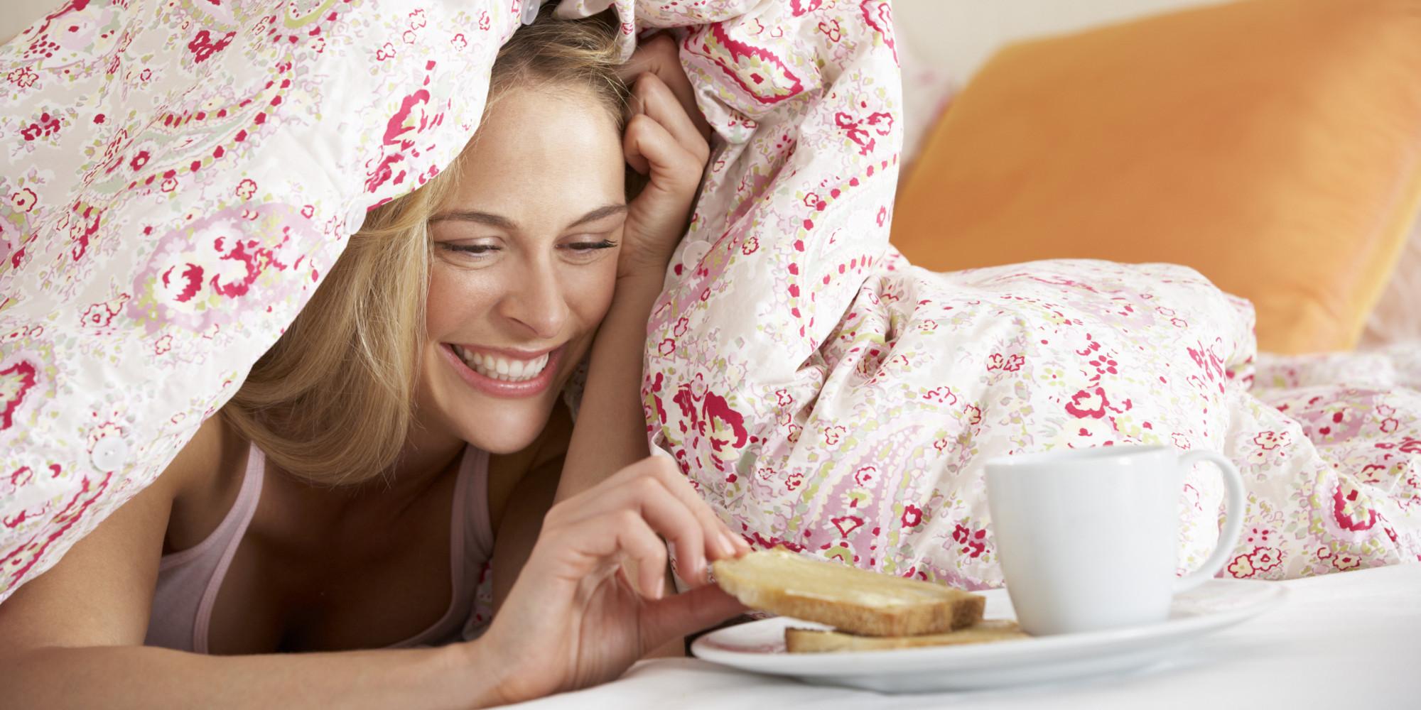 Счастливые девушки фото с подушками